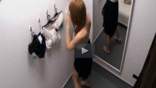 โรคจิต ตั้งกล้องแอบถ่ายสาวๆลองชุดในห้าง