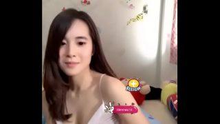 คลิปxxxนักศึกษาสาวไทยสวยหมวยน่าล่อมากๆไลฟ์สดแก้ผ้าช่วยตัวเองแก้เงี่ยน