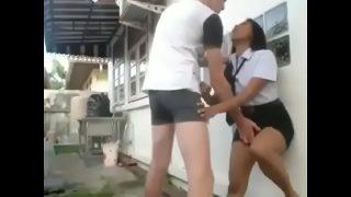 คลิปxxxนักศึกษาสาวไทยไฟแรงหุ่นอวบๆน่าเอาโดนแฟนหนุ่มฝรั่งควยใหญ่ดตแอบพาไปเย็ดหีแก้เงี่ยนที่หลังบ้าน