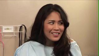 avxxxสาวเอเชียหน้าหวานสาวน่ารักโดนหมอหื่นควยโตบ้ากามจับแทงหีเล่นในห้องตรวจ