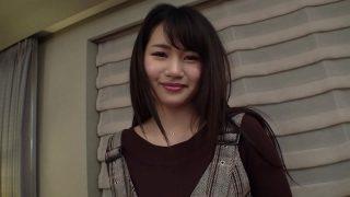japanxxxวัยรุ่นสาวหน้าหวานสวยอวบอึมน่าเอาโดนหนุ่มใหญ่รุ่นพ่อพาไปเย็ดหีที่บ้านเช่า