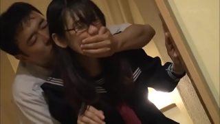 หนังxญี่ปุ่นนักเรียนสาวม.ปลายหุ่นดีน่าล่อๆโดนหนุ่มใหญ่บ้ากามหื่นจัดแอบดักฉุดลากไปเย็ดแก้เงี่ยน