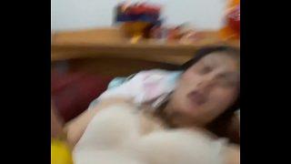 คลิปหลุดสาวไทยบ้านรุ่นใหญ่บ้ากามเงี่ยนสุดๆตั้งกล้อถ่ายคลิปนอนแก้ผ้าเอาแตงกวายัดหีเล่นแก้เงี่ยน