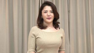 หนังavสาวญี่ปุ่นรุ่นแม่แต่โครตเอ็กแถมลีลาก็เด็ดมากๆแอบไปแก้ผ้าเย็ดกับหนุ่มใหญ่ข้างบ้านแก้เงี่ยน